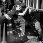 Foto: Emoționant. 20 de poze de pe timpul războiului!