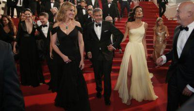 Julia Roberts a apărut desculță pe covorul roșu de la Cannes!