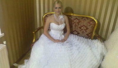 Așa va arăta rochia de mireasă a Anișoarei Login!