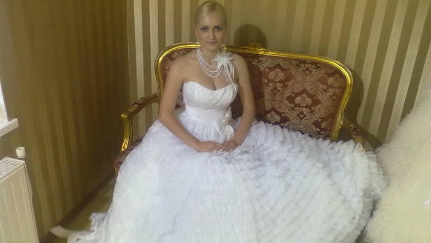 Foto: Așa va arăta rochia de mireasă a Anișoarei Login!