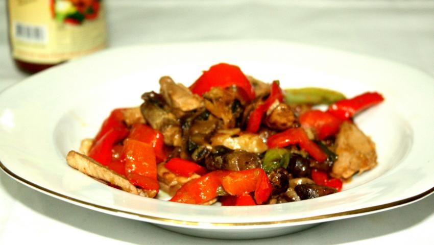 Foto: Carne de vită cu sos de piper negru