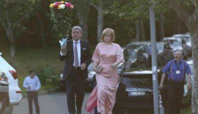 Vezi сe ținute au îmbrăcat invitații la nunta lui Dorin Chirtoacă și Anișoara Loghin