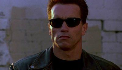 Cum arată fiul lui Arnold Schwarzenegger. Actorul l-a însoţit la ceremonia de absolvire a facultăţii