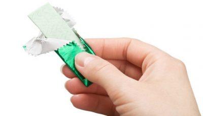 Cât de periculos este să înghiți guma de mestecat