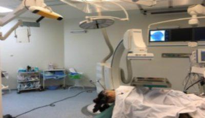 O fetiţă cu tumoare pe creier, salvată de la moarte de către medici, la un spital din Capitală!