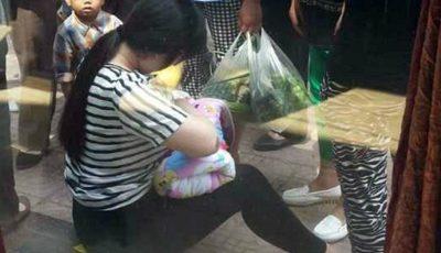 S-a oprit pentru a alăpta un copil abandonat într-o cutie pe o stradă!