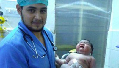 S-a născut cea mai grea fetiţă din lume, a avut la naştere 6,8 kg!
