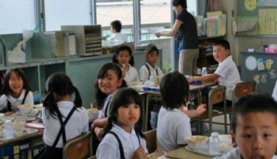 Educaţia în Japonia! Copiii de 4 ani circulă singuri cu metroul, cei de 3 ani merg neînsoţiţi la grădiniţă