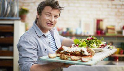 Trucurile culinare de la Jamie Oliver! Cum salvezi o mâncare în care ai scăpat prea multă sare