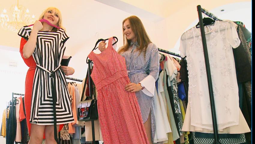 """Foto: Ekaterina Lica și fiica:""""Furăm haine una de la alta. Uneori mă enervez că nu-mi găsesc rochia iubită""""!"""