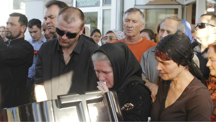 Foto: Fanii își iau rămas bun de la Anatol Dumitraș!