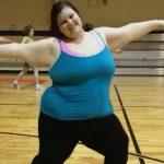 Foto: La 16 ani cântărea 190 de kilograme. Colegii au rămas șocați când au văzut-o la Balul de Absolvire!