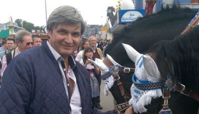 Constantin Moscovici, indignat de faptul că melodia sa de la Aeroport a fost înlocuită!