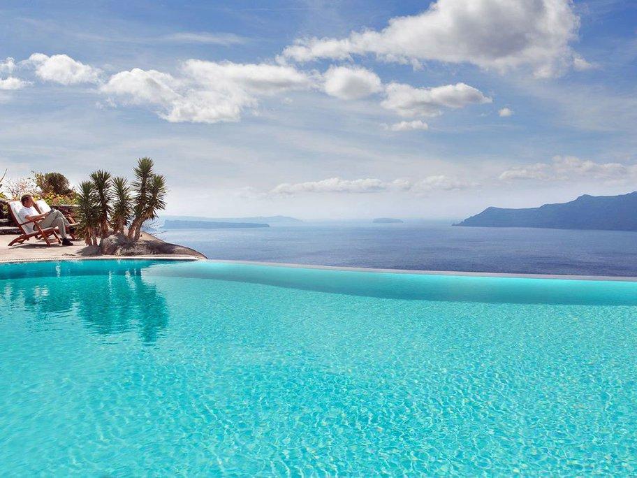 perivolas-hotel-in-greece