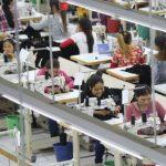 Foto: Sclavia din spatele unui brand vestit de haine! Angajatele sunt concediate când rămân însărcinate