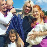 Foto: Aurel și Daniela Chirtoacă și-au creștinat fetița!