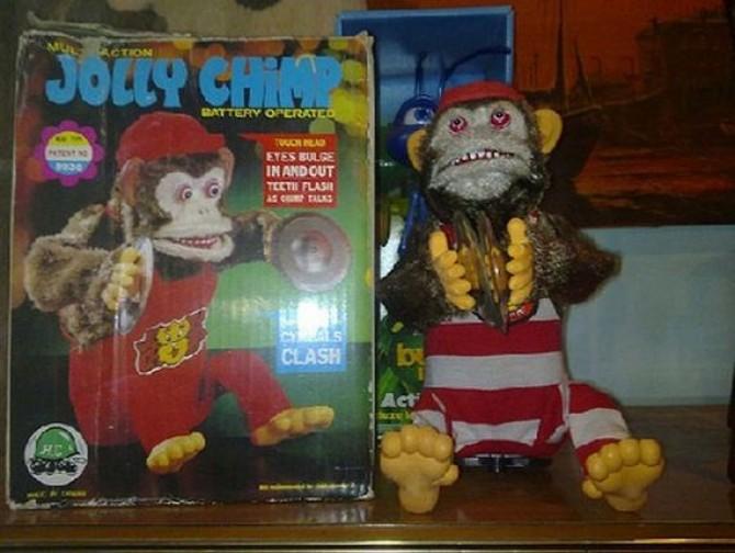 20_creepy_toys_03737100
