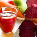 Foto: Suc de castraveţi, morcovi, sfeclă şi lămâie, benefic pentru detoxifiere, slăbire, reumatism şi diabet!