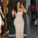 Foto: Sunt incomode, dar le poartă toate vedetele. Cum arată sandalele create de Kanye West!