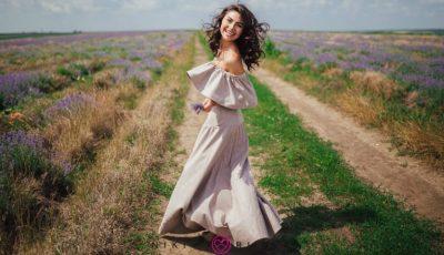 """Corina Frumuzachi: """"Iau din modă doar ceea ce mi se potriveşte, nu îi devin sclavă"""""""