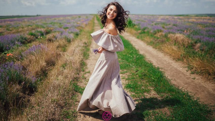 """Foto: Corina Frumuzachi: """"Iau din modă doar ceea ce mi se potriveşte, nu îi devin sclavă"""""""