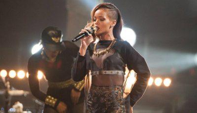 Cu ce interpret din România a ales să cânte Rihanna!