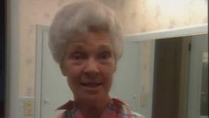 Foto: A purtat coc timp de 37 de ani. Copiii au rămas șocați după ce mama lor s-a tuns