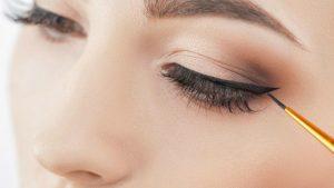 Foto: Eyelinerul ondulat, cea mai nouă tendință în materie de frumusețe!