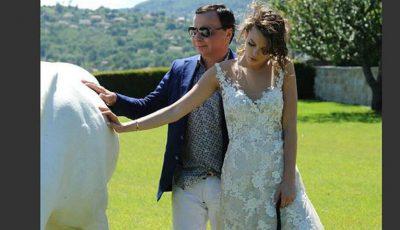 Poze de la nunta modelului de 18 ani cu miliardarul de 55 ani! Cum arată mama și tata acesteia