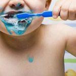 Foto: Ce NU trebuie să conțină pasta de dinți pentru copii
