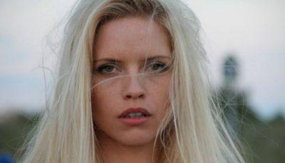 Alexandra Shine nu a mai folosit placa pentru păr de peste 2 ani. Iată motivul!