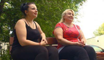 Mama și fiica s-au apucat de treabă. Au slăbit peste 6 kg pentru o schimbare radicală