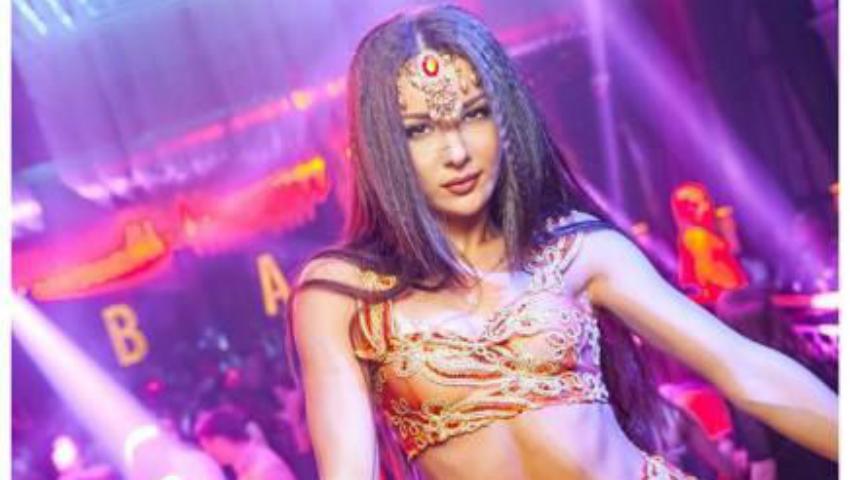 Foto: O dansatoare dintr-un club din Chișinău povestește lucruri neștiute despre viața sa