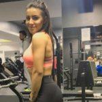 Foto: Exercițiul Nicoletei Nucă, care-i asigură un posterior bombat și coapse fără celulită!