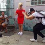 Foto: Polina Gagarina și Dima Bilan cântă pe străzile din Rio de Janeiro!