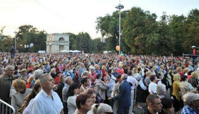 Moldovenii nu-și doresc două zile de vacanță. Aceștia au semnat și o petiție