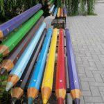 Foto: În Ialoveni au fost instalate bănci din creioane colorate