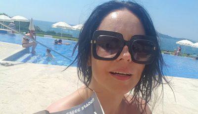 Cum arată Andreea Marin în costum de baie la 41 de ani!
