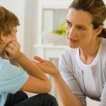 Foto: Un psiholog te învaţă cum este corect să te adresezi copilului!