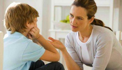 Un psiholog te învaţă cum este corect să te adresezi copilului!