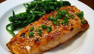 De ce să mănânci carne şi peşte dimineaţa?