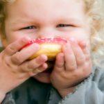 Foto: Experţi: copiii de până la doi ani nu ar trebui să consume alimente cu zaharuri adăugate!