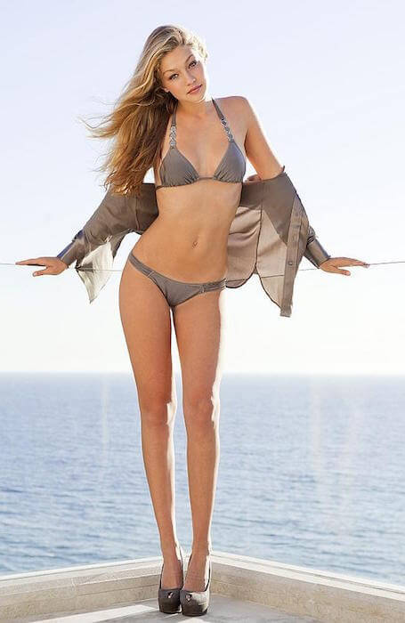 gigi-hadid-bikini-figure