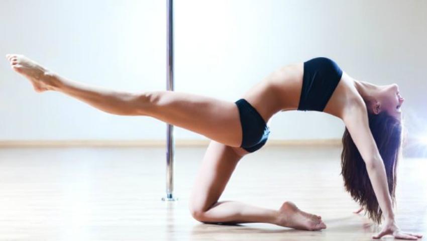 Foto: SUPER exercițiu pentru mușchii taliei!