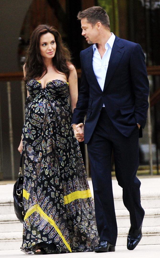 Angelina Jolie and Brad Pitt leave Eden Roc hotel to have diner? Cap D'antibes,May 19th 2008 Non exclusive Ref: SPL31892  190508   Picture by: KCSPresse / Splash News Splash News and Pictures Los Angeles:310-821-2666 New York:212-619-2666 London:870-934-2666 photodesk@splashnews.com  angelina jolie and brad pitt leave eden roc hotel to have diner  spl31892_007 no argentina, australia, austria france © www.splashnews.com