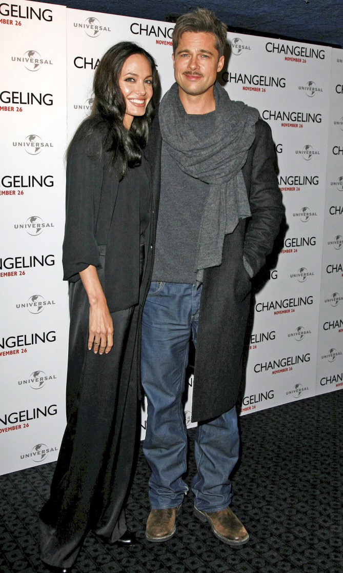 """November 17, 2008: Angelina Jolie and Brad Pitt attend a photocall for 'The Changeling' at The Curzon Mayfair in London. Credit: Goff/INFphoto.com    Ref.: kguk-42/JD sp US, CANADA, SINGAPORE, JAPAN & S. AFRICA ONLY. """"the changeling"""" photocall  angelina jolie, brad pitt"""