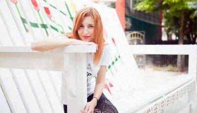 """Svetlana Matvievici: """"Mă prinde răsăritul butonând texte pentru blog sau schițe de proiecte"""""""