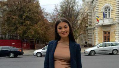 Tatiana Vornicescu și-a etalat burtica de gravidă!