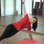 Foto: Fă sport acasă! Iată câteva exerciții pentru antrenarea mușchilor abdominali