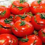 Foto: Roșii marinate cu usturoi în stil armenesc – o rețetă de conservare a roșiilor!